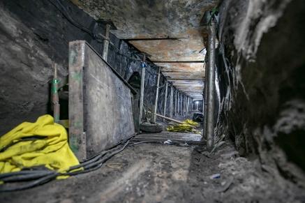 20171002-cjpress-zuma-tunnel-theft-bank-3039
