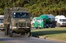 São Paulo (SP), 29/05/2018, Exército escolta tanques com gás combustível em SP - Comboio do exército faz escolta de caminhões com gás combustível que deixaram a base aérea de São Paulo, nesta terça-feira(29). Foto: Marcelo Chello/CJPress/Agência O Globo