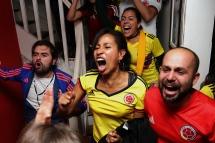 BRA58. SAO PAULO (BRASIL), 03/07/18. - Los aficionados colombianos celebran el gol de empate contra la selección inglesa en los acreedores del segundo tiempo normal de juego por los octavos de final del Mundial de Rusia 2018, el martes 3 de julio. EFE/Marcelo Chello