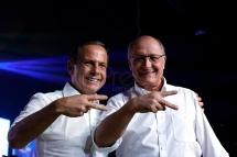 """S""""o Paulo (SP), 28/07/2018, PSDB confirma Jo""""o DÛria como candidato ao governo paulista - O PSDB realizou convenÁ""""o estadual na zona oeste de S""""o Paulo, neste s·bado 28, onde foi confirmada a candidatura de Jo""""o Doria ao governo paulista. Jo""""o Doria(e) e Geraldo Alckmin. Foto: Marcelo Chello/CJPress/AgÍncia O Globo"""