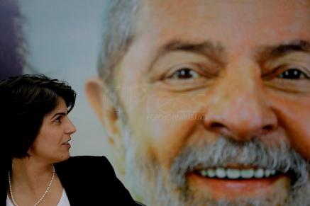 São Paulo (SP), 07/08/2018, Haddad e Manuela D'Avila fazem pronunciamento em SP - Manuela D'Avila durante pronunciamento em nome da coligação PT/PCdoB/PROS, nesta terça-feira (7), na sede do PCdoB em São Paulo. Foto: Marcelo Chello/CJPress/Agência O Globo