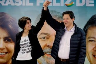 São Paulo (SP), 07/08/2018, Haddad e Manuela D'Avila fazem pronunciamento em SP - Fernando Haddad e Manuela D'Avila durante pronunciamento em nome da coligação PT/PCdoB/PROS, nesta terça-feira (7), na sede do PCdoB em São Paulo. Foto: Marcelo Chello/CJPress/Agência O Globo