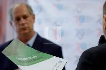 São Paulo (SP), 18/09/2018, Ciro Gomes participa de palestra na SBPC em SP - O candidato à presidência do PDT, Ciro Gomes, disse nessa terça-feira(17), que uma de suas metas é retomar pesadamente a produção industrial no Brasil. Ciro participou de uma palestra na sede da SBPC(Sociedade Brasileira para o Progresso da Ciência), em SP. Foto: Marcelo Chello/CJPress/Agência O Globo